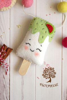 Купить или заказать Гирлянда из фетра 'Сладости' в интернет-магазине на Ярмарке Мастеров. Какая вкуснотища у нас в Расчудесье приготовилась! Наивкуснейшие мороженки с мятной и арбузной начинкой, нежнейшие пончики с фруктовой глазурью и хрустящие печеньки с яркой посыпкой - и глазам радостно, и вкусно-то как!!!! =) Гирлянда с фетровыми сладостями - пончиками, мороженками и печеньями может стать не только украшением детской комнаты и кроватки, но и декором для празднования Дня Рожд...