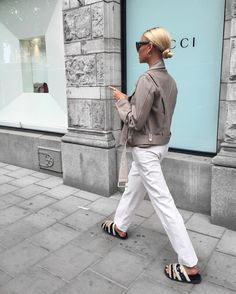 Discover recipes, home ideas, style inspiration and other ideas to try. Easy Style, Freja Wewer, Scandinavian Fashion, Monochrom, Fashion Outfits, Fashion Trends, Fashion Design, Stylish Outfits, Women's Fashion
