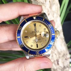 Via Bob's Watches Instagram: http://instagram.com/bobswatches Sapphire Serti dial rolex submariner ref 16613. A classic.