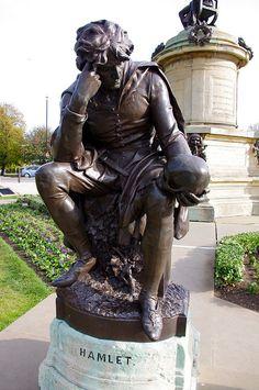 Hamlet statue in the Gower Shakespeare Memorial, Stratford-upon-Avon, Warwickshire, England, U. William Shakespeare, London England, Oxford England, Cornwall England, Yorkshire England, Yorkshire Dales, Spanish Verb Ser, Birmingham, Statues