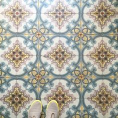 "What a beautiful floor! ""I love old German tiles! Floor Patterns, Tile Patterns, Room Tiles, Wall Tiles, German Decor, Encaustic Tile, Mosaic Tiles, Tiling, Style Tile"