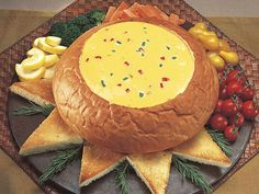 Kings Hawaiian Bread Bowl and Spicy Cheese Fondue Hawaiian Sweet Breads, King Hawaiian Rolls, Kings Hawaiian, Hawaiian Recipes, Fondue Recipes, Snack Recipes, Cooking Recipes, Snacks, Fondue Ideas