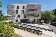 Résidence L'Althea - Sainte-Maxime (83) © Ecliptique / Laurent Thion Laurent, Mansions, House Styles, Home Decor, Decoration Home, Manor Houses, Room Decor, Villas, Mansion