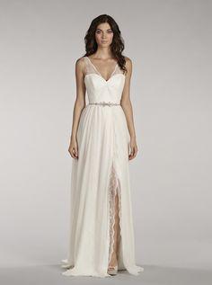 アクア・グラツィエがセレクトした、Blush(ブラッシュ)のウェディングドレス、BLU1404をご紹介いたします。