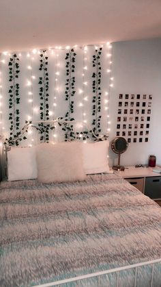 dream rooms for adults ; dream rooms for women ; dream rooms for couples ; dream rooms for adults bedrooms ; dream rooms for girls teenagers Teenage Room Decor, Teenage Room Designs, Room Ideas Bedroom, Budget Bedroom, Bedroom Inspo, Bedroom Decor Teen, Cute Teen Bedrooms, Blue Bedrooms, Design Bedroom
