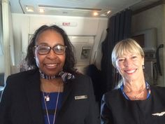 Angels in the Plane, UA Flight Attendants | 코리일보 | CoreeILBO