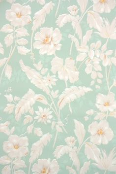So many beautiful vintage wallpaper patterns! This mint green floral is from the 1940s. Authentic #vintagewallpaper from Hannah's Treasures Vintage Wallpaper