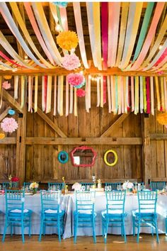 28 Creative Ways to Add Color to Your Wedding!