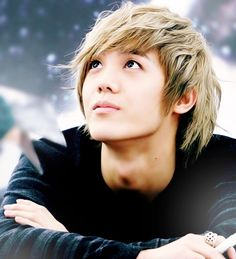 Mir (MBLAQ) - The blonde-haired look really suits this maknae!