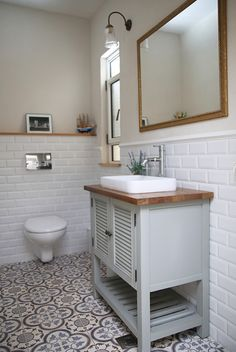Bathroom Plants: 35 species and more than 70 photos to choose from - Home Fashion Trend Small Attic Bathroom, White Bathroom, Bathroom Design Inspiration, Bathroom Interior Design, Bathroom Decor Pictures, Bathroom Ideas, Simple Bathroom Designs, Bathroom Styling, Bathroom Flooring