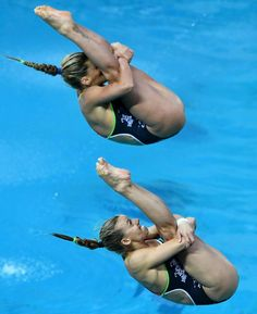 Gymnastics Poses, Artistic Gymnastics, Gymnastics Girls, Action Pose Reference, Action Poses, Diving Springboard, Swimming World, Women's Diving, Track Team
