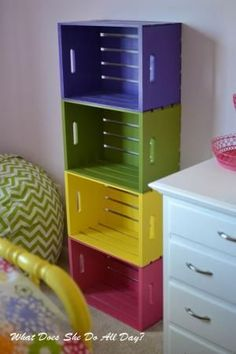 Colorful Wood Crate Bookcase Informations About 19 Awesome Things You Can Make From Old Crates Pin Y Old Crates, Wooden Crates, Cloth Diaper Storage, Crate Bookcase, Toddler Classroom, Crate Storage, Cd Storage, Storage Trunk, Toy Rooms