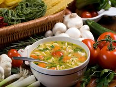 Receitas De Sopas Para Emagrecer Rápido - 7kg EM UMA SEMANA - 1 berinjela 1 maço de cebolinha 1 nabo 1 pimentão 4 tomates médios 1 maço de salsão