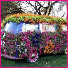 Cool cars w/ flowers! Flower power