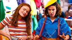 """After being threatened by Hopper, Mike lies to El and cancels plans with her. Max gives her a makeover to make her feel better. 40 Things That Happened In """"Stranger Things"""" Season 3 El Stranger Things, Stranger Things Have Happened, Stranger Danger, Stranger Things Season 3, Stranger Things Netflix, Millie Bobby Brown, Scream Queens, Mtv, Starnger Things"""