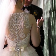 Veluz Reyes wedding dress, gorgeous back detail.