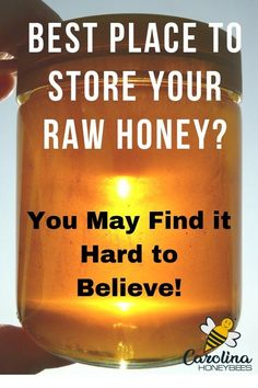 Tips That Will Change The Way You Store Raw Honey How to store raw honey – you may not believe it. Many people think honey should be store in the refrigerator? Hives And Honey, My Honey, Honey Bees, Can Honey Go Bad, Uses For Honey, Honey Facts, Honey Store, Bee Facts, Bee Hive Plans