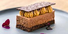 Étcsokoládés, kakaóbabos sóskaramell-szelet Mousse, Cake, Food, Caramel, Alcohol, Kuchen, Essen, Meals, Torte