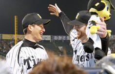 Atsushi Nohmi and Matt Murton (Hanshin Tigers)