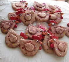 Clay Ornaments, Gingerbread Cookies, Pottery, Birds, Metal, Wood, Desserts, Fabric, Crafts