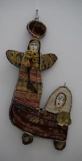 Art Textile, Textiles, Creations, Clock, Arts, Sculpture, Christmas Ornaments, Holiday Decor, Fabric