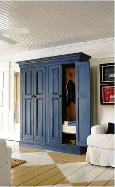 Ideas for a mud room - Muskoka Cottage Armoire Entree, Armoire Antique, Painted Armoire, Painted Wood, Painted Floors, Painted Furniture, Mudroom Cabinets, Entryway Cabinet, Cupboards