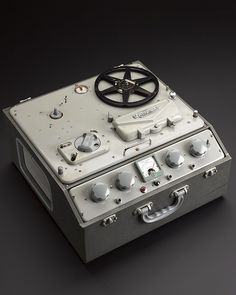 Ferrograph reel to reel tape recorder model c. Audio Music, Audio Sound, Recording Equipment, Audio Equipment, Cassette Vhs, Magnetic Tape, Tape Recorder, Vintage Records, Sound & Vision