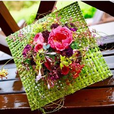 Tropical Flower Arrangements, Tropical Flowers, Flower Boxes, Ikebana, Washi, Wedding Flowers, Gift Wrapping, Art Floral, Table Decorations