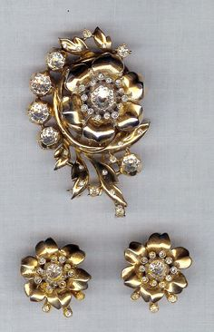 Trifari ' Alfred Philippe ' Climbing Rose Rhinestone Pin & Earrings 1940 Patent