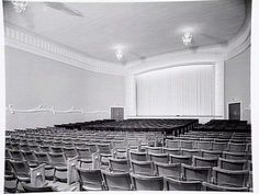 Art Deco Hoyts Bentleigh auditorium facing screen Real Estate Office, Theatres, Old Buildings, Old Pictures, My House, Theatre Posters, Art Deco, Auditorium, Architecture