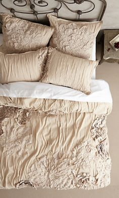 beautiful ruffled duvet cover http://rstyle.me/n/j9d55r9te