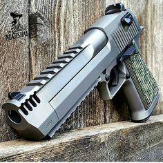 Airsoft hub is a social network that connects people with a passion for airsoft. Talk about the latest airsoft guns, tactical gear or simply share with others on this network Weapons Guns, Guns And Ammo, Armas Wallpaper, Gun Vault, Desert Eagle, Cool Guns, Tactical Gear, Tactical Survival, Airsoft