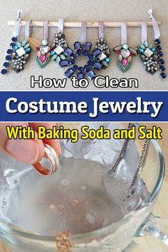 Costume Jewelry Crafts, Vintage Jewelry Crafts, Old Jewelry, Custom Jewelry, Jewelry Making, Clean Jewelry, Jewelry Ideas, Jewelery, How To Clean Jewlery