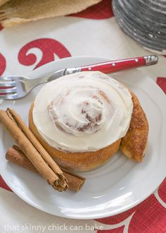 Old Fashioned Cinnamon Rolls | Tender with cinnamon swirls and vanilla icing #SundaySupper