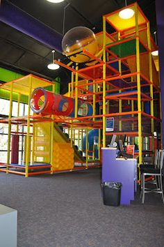 Worlds of Wow - Soft contained play feature at Riverbend Church in Austin, TX. Indoor Jungle Gym, Childrens Gym, Worlds Of Wow, Kids Church Rooms, Bg Design, Kids Indoor Playground, Indoor Trampoline, New Retro Wave, Secret Rooms