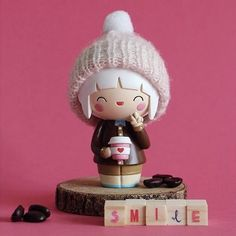 Praise Allah and Smile. Momiji Doll, Kokeshi Dolls, Biscuit, Designer Friends, Paper Crafts Origami, Clothespin Dolls, Vinyl Toys, Heart For Kids, Wooden Dolls
