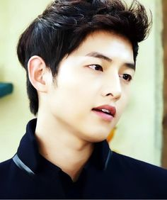 This hairstyle - Song Joong-Ki at The Innocent Man (TV series) So Ji Sub, Asian Actors, Korean Actors, Descendants, Dramas, Korean Men Hairstyle, Descendents Of The Sun, Fangirl, A Werewolf Boy