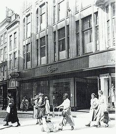 De firma Lampe op de Hooghstraat.