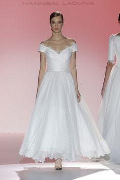 Los vestidos de novia de Hannibal Laguna foto 10...