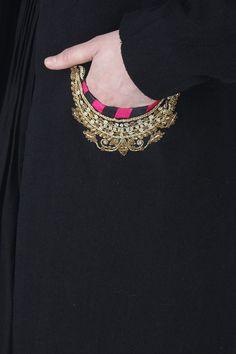 Tisha Saksena kurta with pockets Embroidery On Kurtis, Kurti Embroidery Design, Hand Work Embroidery, Embroidery Suits, Kurta Designs, Blouse Designs, Fancy Dress Design, Pakistani Fashion Party Wear, Salwar Kameez