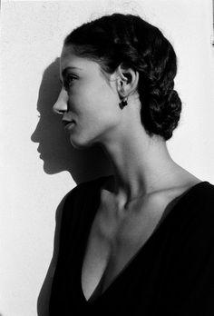 Italy. The Dutch model Marpessa Hennink, Aci Trezza, Sicily. 1987.  // by Ferdinando Scianna, magnum photos