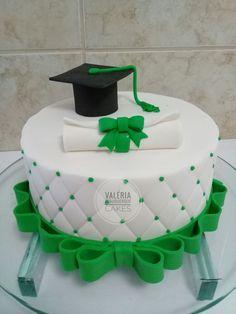 Graduation Cake Designs, Graduation Treats, Graduation Cupcakes, College Graduation Cakes, Fancy Cakes, Cute Cakes, Pharmacy Cake, Fiesta Cake, Bithday Cake