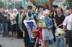 By Erwan Castel, published on his French-language blog Donbass ! on July 27, 2016, translated to English by New Cold War.org.    Whether you are Christian, or pagan like me, it's hard not to be impressed and moved by the quiet crowds of Orthodo