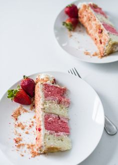 Cake by Courtney: Summer Inspired Strawberry Crunch Cake Strawberry Crunch Cake, Strawberry Filling, Vanilla Buttercream, Vanilla Cake, Cake Recipes, Dessert Recipes, Frosting Recipes, Freeze Dried Strawberries, Cake Layers