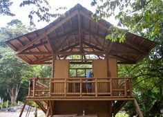 This beautiful Guadua bamboo house in Costa Rica, is located near Playa Sombrero at the Osa Peninsula. The bamboo house was designed and built by Costa Rican architect Mariela Garcia and her husband Steve Jurries. Bamboo Architecture, Architecture Design, Houses In Costa Rica, Haus Am Hang, Bamboo House Design, Bamboo Building, Bamboo Structure, Bamboo Construction, Bamboo Garden