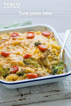 Dig in to this cheesy tuna pasta bake for the ultimate easy comfort food. This tasty pasta recipe makes the most of store cupboard and freezer ingredients, with chunks of tuna and colourful veg all wrapped up in a creamy sauce. Salmon Recipes, Fish Recipes, Seafood Recipes, Vegetarian Recipes, Cooking Recipes, Healthy Recipes, Recipies, Tuna Bake, Tuna Potato Bake