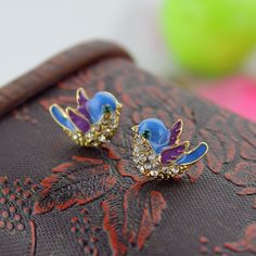 Envío de la manera nueva joyería de la mujer pájaro azul de la aleación de oro pendientes de las señoras regalos de la fiesta de primavera y verano ropa accesorios