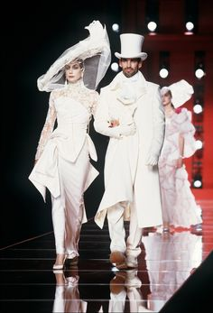 Christian Dior Fall 2000 Haute Couture ...homage to Nicolas Ghesquire