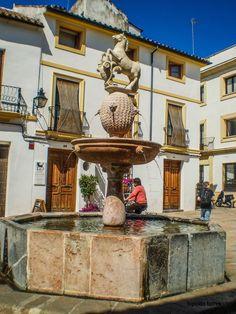 plaza del potro - cordoba - españa Plaza, Granada, Statue Of Liberty, Places To See, Spanish, Antique, World, Travel, Beautiful