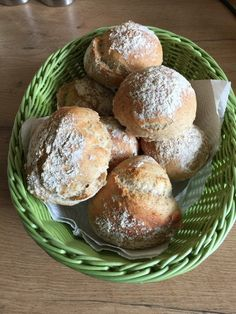 Schnelle (Sonntags-) Brötchen, Bürli, ein tolles Rezept aus der Kategorie Brot und Brötchen. Bewertungen: 209. Durchschnitt: Ø 4,6.